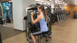 biceps curl on machine
