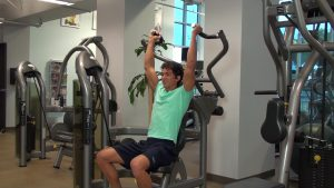 overhead press with machine